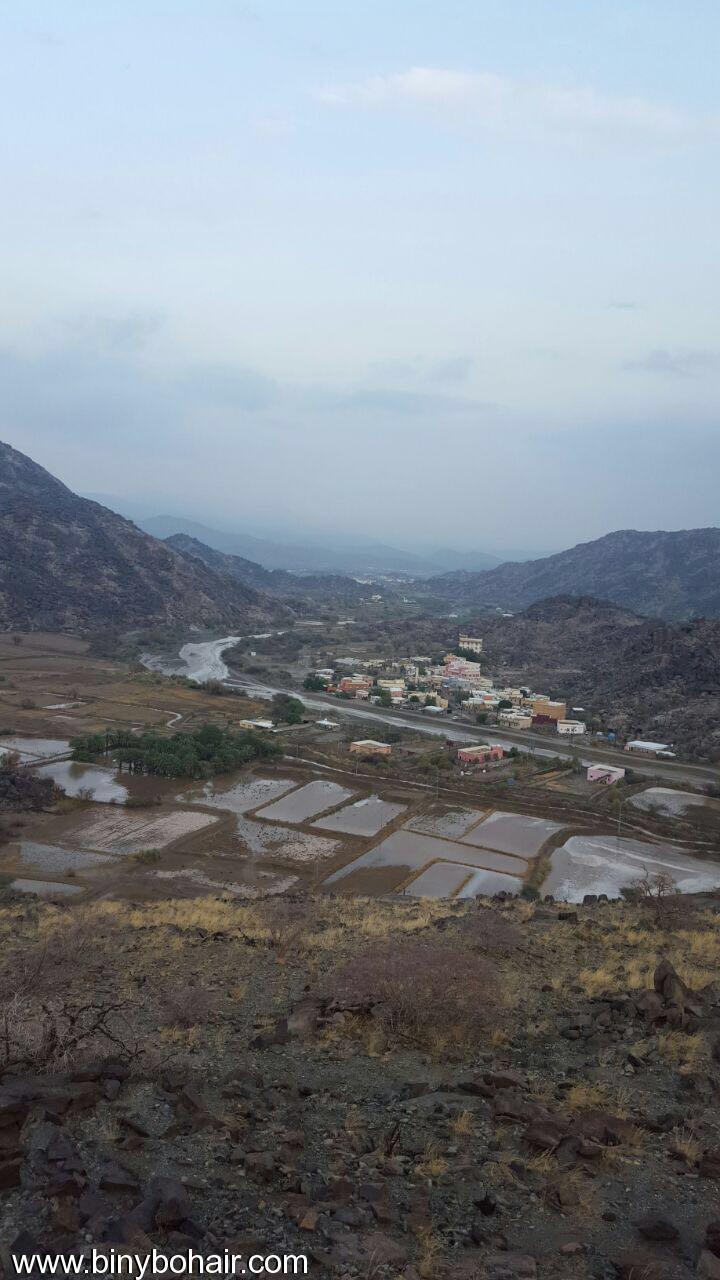 بالصور ..أجواء وسيول قرية صقارن do075068.jpg