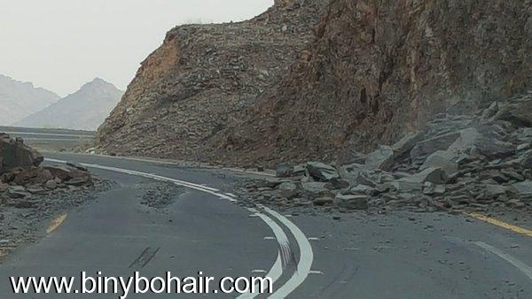انهيارات صخرية وترابية طريق وادي hkr22870.jpg