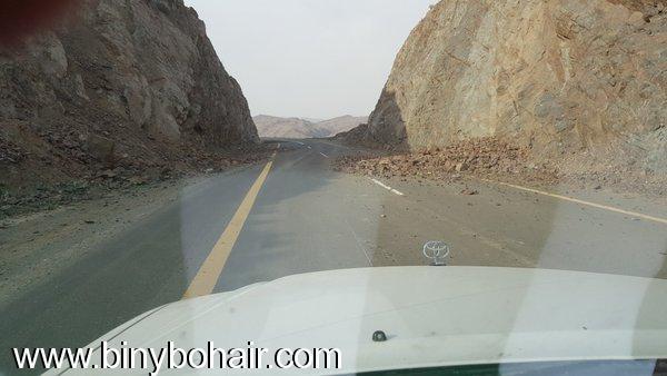 انهيارات صخرية وترابية طريق وادي mpy22870.jpg