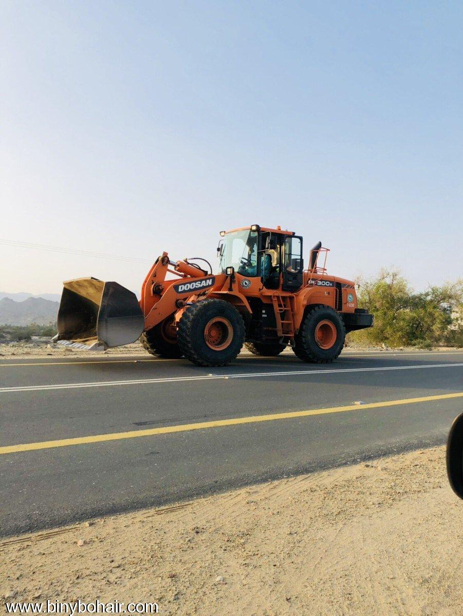 وزارة النقل ..تستمر صيانة طريق smv67933.jpg